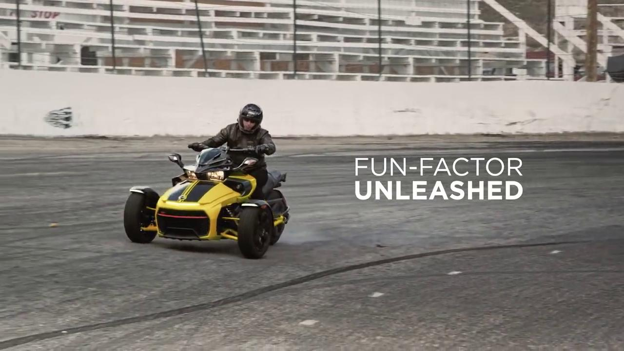 Fun-Factor_Unleashed_-_Can-Am_Spyder_F3-S_2017